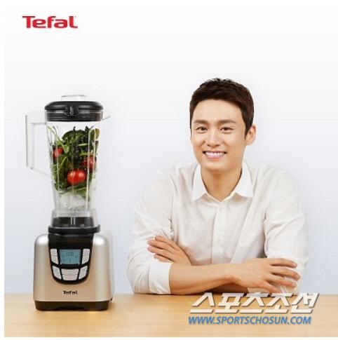 이젠 '요섹남'이 대세, 주방 업계 앞다퉈 '요리하는 섹시한 남자' 마케팅