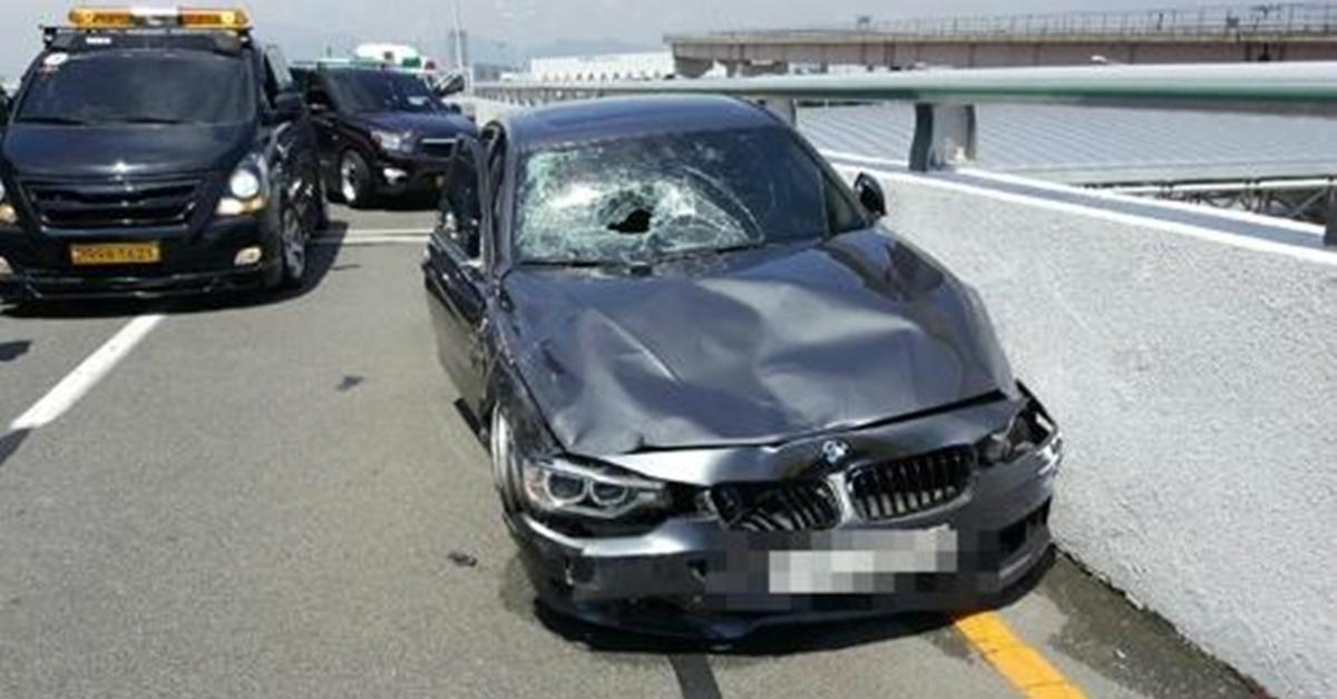 """'김해공항 BMW 사고' 가해자는 항공사 직원…피해자 가족 """"가정 풍비박산"""""""