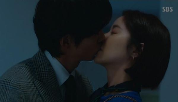 '훈남정음' 남궁민♥황정음, 키스로 마음 확인… 본격 로맨스 시작?