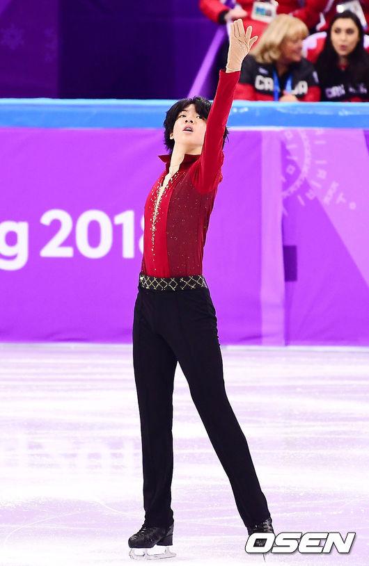 [사진]차준환,'평창동계올림픽 기분 좋은 시작'