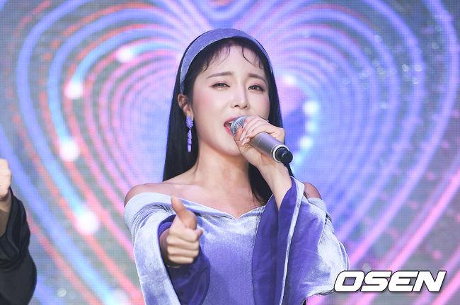 [Oh!쎈 레터] '전참시' 논란을 응원으로...홍진영의 빛난 '진정성'