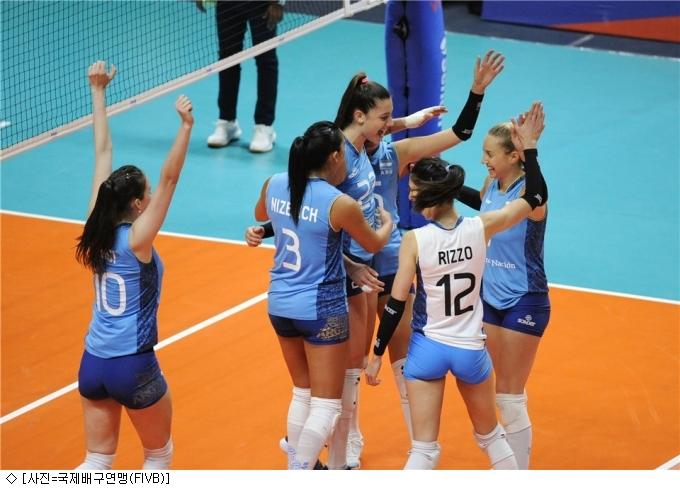 한국女배구 아르헨티나에 VNL 첫 승 헌납
