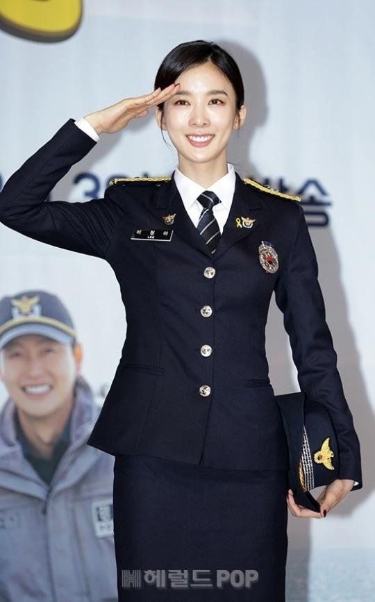 팝업★`시골경찰3` 이청아 첫 예능 도전…단아美에 명랑함 더했다