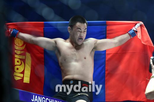 난딘에르덴-만수르, 8강서 격돌…브라질 선수끼리도 맞대결