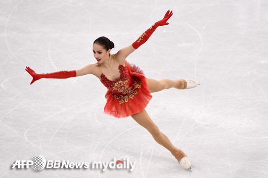 러시아 15살 `피겨 신동` 자기토바 단체전 女 프리 1위