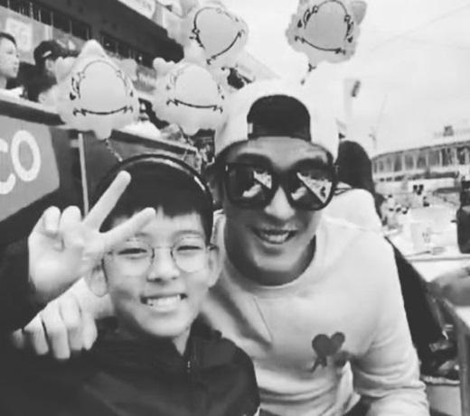 '강경준♥' 장신영, 아들 정안이와 아직은 삼촌 아빠...둘 다 훈남이네