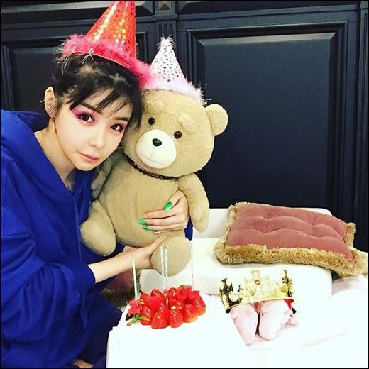박봄, 되찾은 미모 `동그란 눈+V라인 턱선`