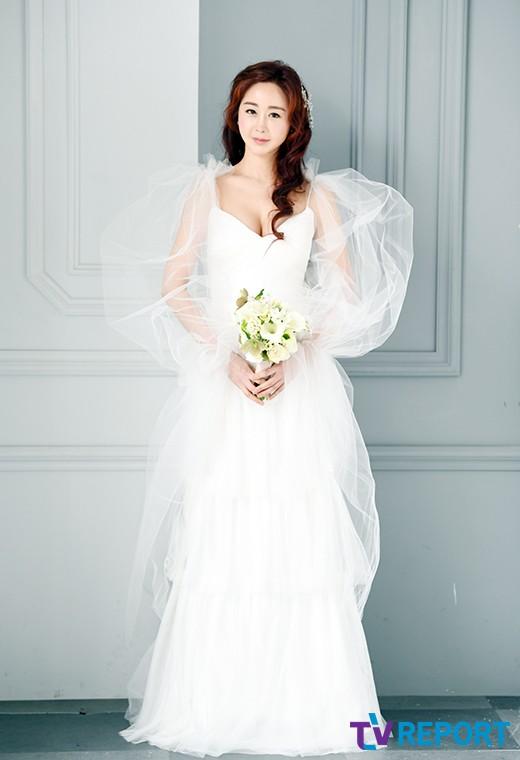 [T포토] 함소원 '우아한 웨딩 드레스 자태'