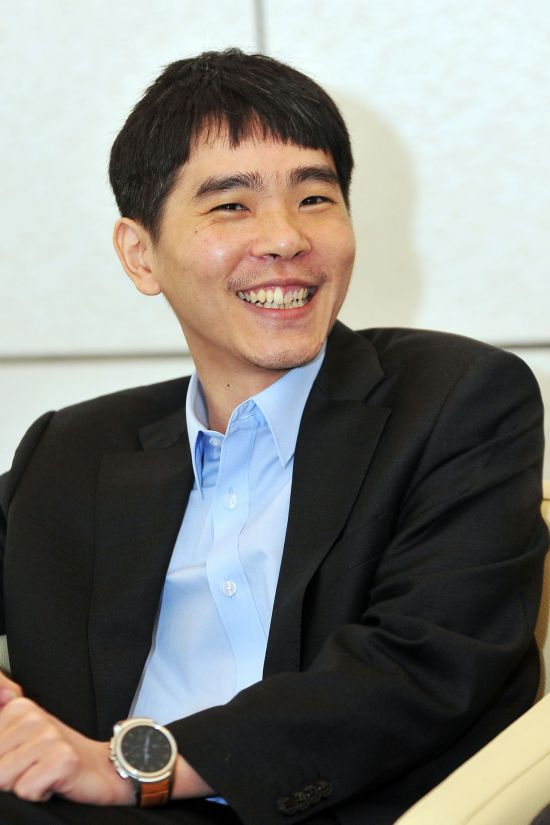 커제에 빚 값은 이세돌, 네티즌 ¨역시 갓세돌¨…가히 천재적인 묘수
