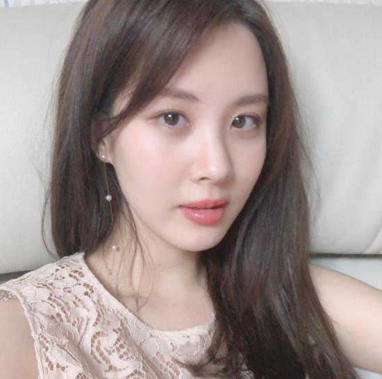 '봄이온다' 공연 사회자 맡은 서현, SNS 사진 눈길