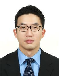 "LG 4세 구광모 상무는 누구...""대리로 입사, IT 관심 많아"""