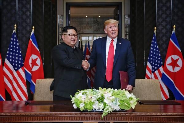 북미 정상 첫 만남에 공동합의문까지…한반도평화 위한 획 그었다