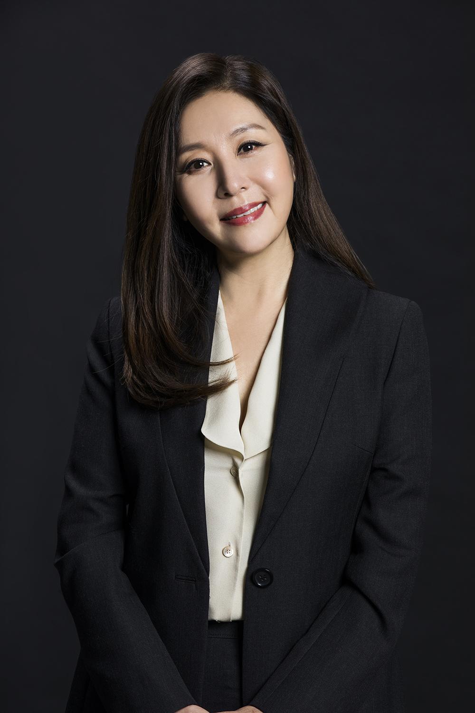 '인형의 집' 최명길 자애로운 어머니카리스마 집사 '이중생활' 포착