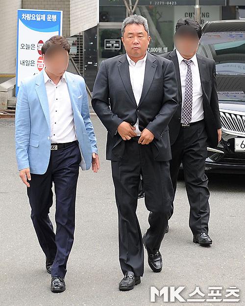 전창진 전 감독 단순도박 혐의 무죄 선고