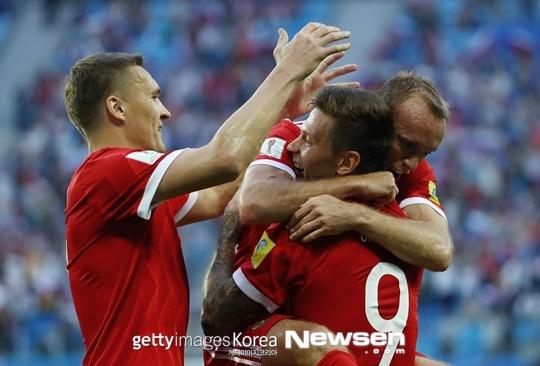 컨페더레이션스컵 개막, 러시아 뉴질랜드 2-0 완파