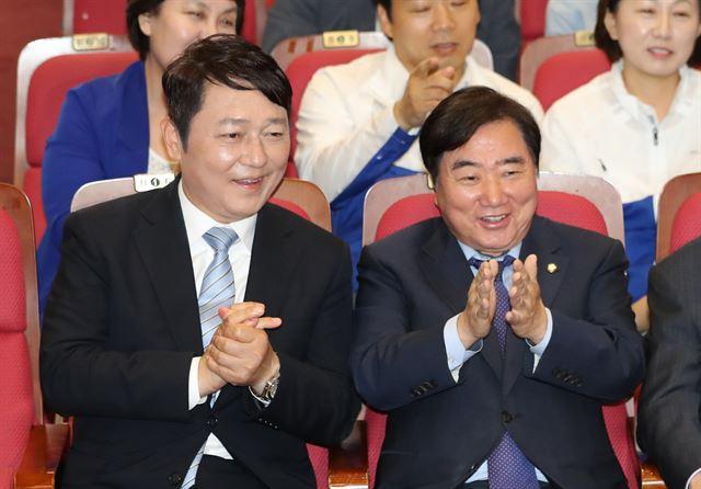 돌아온 '친문 복심' 최재성… 당권 주자로 급부상