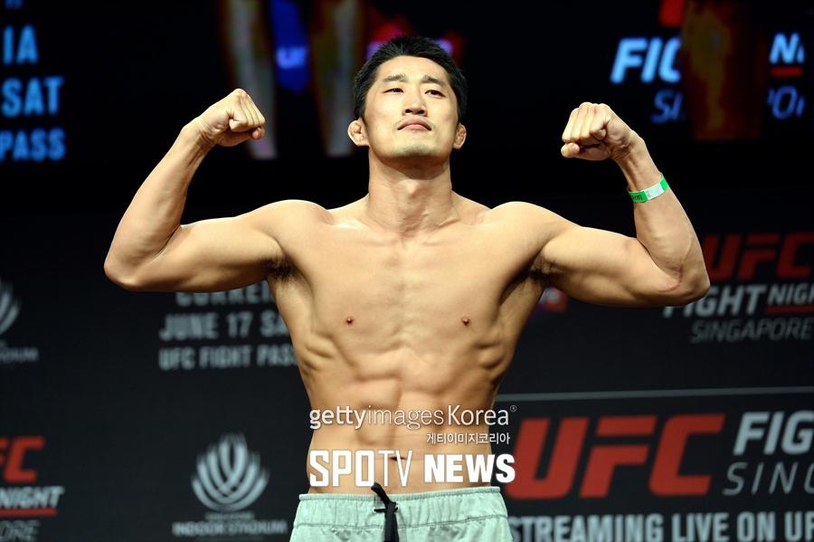 [UFC] 김동현 랭킹 7위→9위…콜비 코빙턴 단숨에 10위 진입