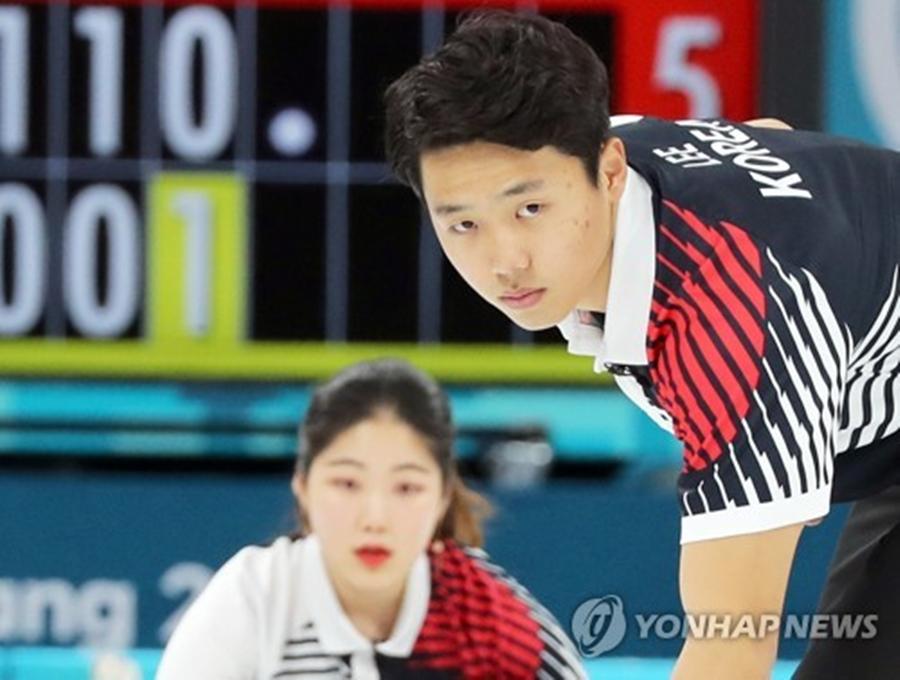 [올림픽 NOW] 컬링 장혜지-이기정, 연장 접전 끝에 중국에 패배