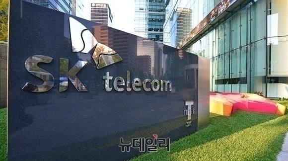 SKT, 공식 부인 불구 'NHN벅스' 인수설 끊이지 않는 이유