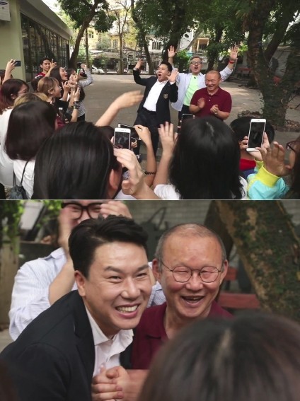 이상민, 베트남 소녀팬들 앞 즉석 버스킹 현장 포착