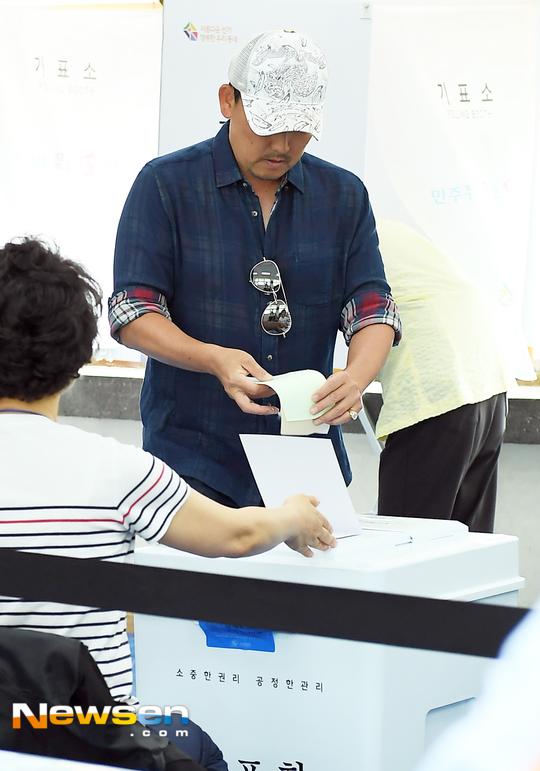 이승철 '투표용지 고이 접어서~'