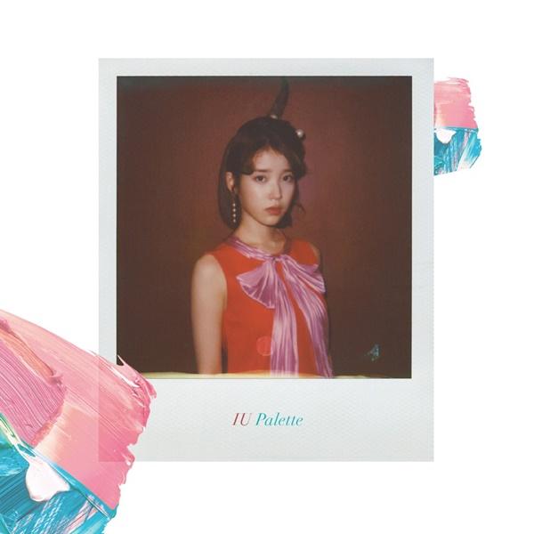 [실시간음원차트] 아이유, '팔레트'부터 '사랑이 잘'까지 줄세우기…명불허전 '음원퀸'