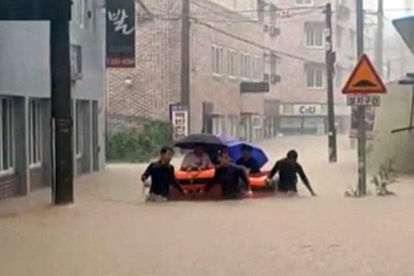 제헌절 오늘날씨 청주폭우 그쳤지만 전국 5~40mm 소나기, 남부·강원 폭염특보, 미세먼지·오존농도…기상청 내일 이번주 주간 동네일기예보