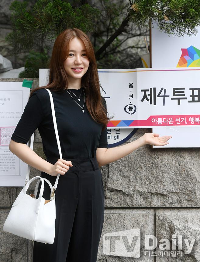 윤은혜 '참정권 행사 했어요'