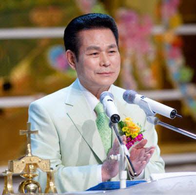 만민중앙성결교회 이재록 목사 女신도 5명 성폭행 혐의 '출국금지'