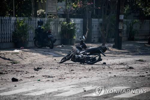 인도네시아서 연쇄 폭탄테러···최소 9명 사망