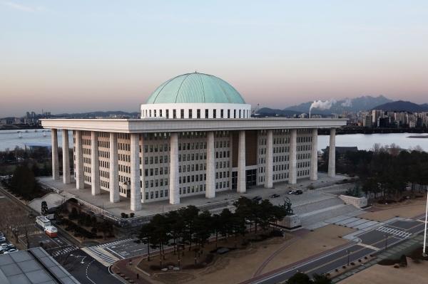여야 국회 원 구성 협상 타결…운영위 민주당·법사위 한국당