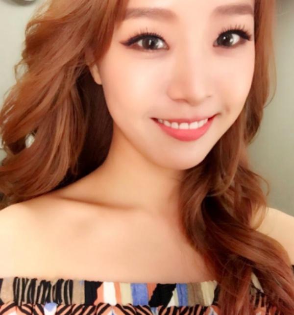 `열애 인정` 류현진-배지현, 결혼 전제로…¨올해는 적극적으로 연애할 것¨이라던 예측