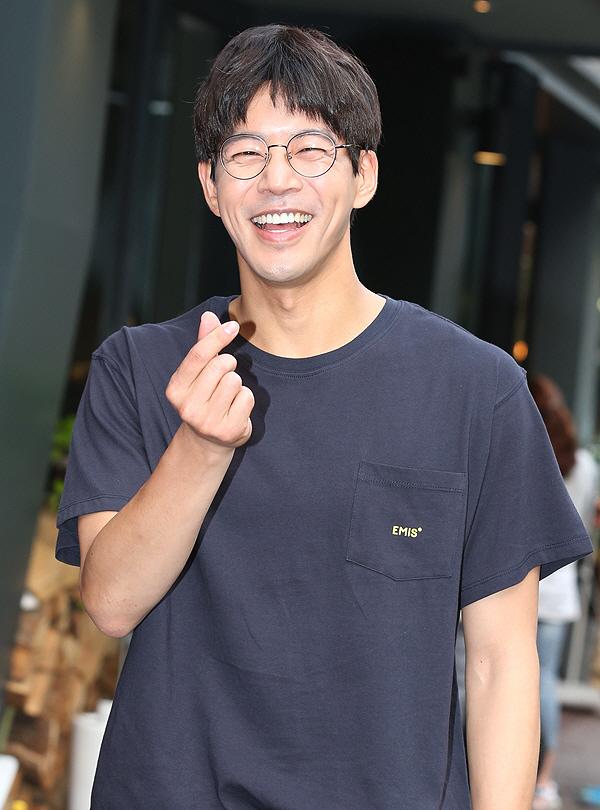 """[국제포토] 이상윤 """"멍뭉미 폭발하는 미소"""" (어바웃타임 종방연)"""