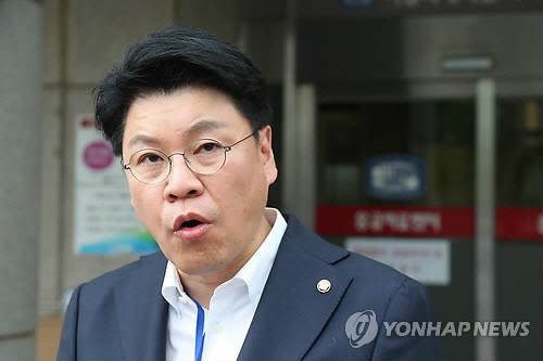 '우리의 선택' 장제원, 표창원과 지방선거 공방…과거 '미친개' 발언도...