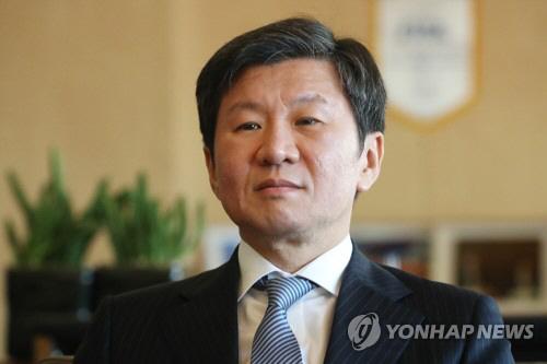 """정몽규 """"2030년 월드컵 남북한·중국·일본 공동 유치 가능성 엿봐"""""""