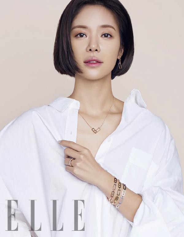 '훈남정음' 황정음, 미모 빛내주는 화보…우아한 한 폭의 그림