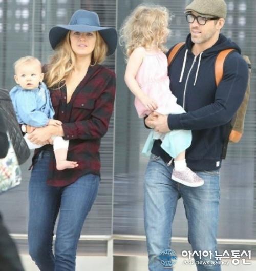 '복면가왕 유니콘' 라이언 레이놀즈, 아내와 딸과 함께 가족 나들이 모습 '포착'
