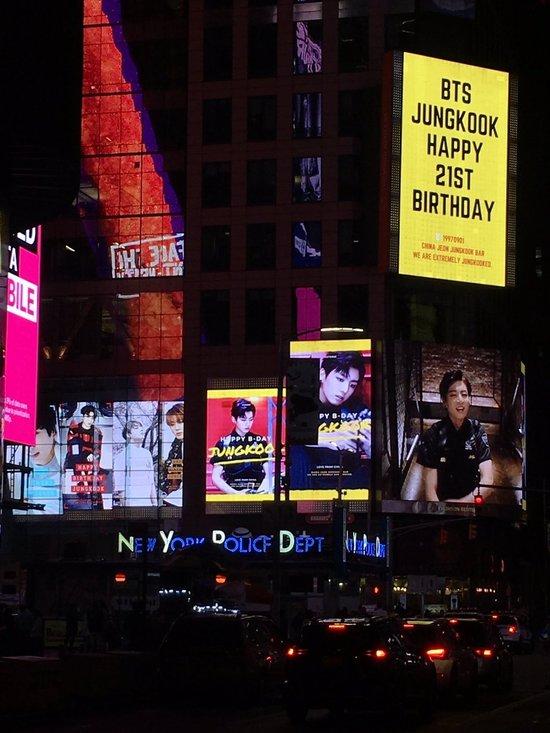 방탄소년단, 생일 광고가 뉴욕에도 걸린다..