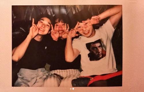 `윤식당 2` 박서준, 최우식과 깜찍 인증샷 ¨Hello 2018¨