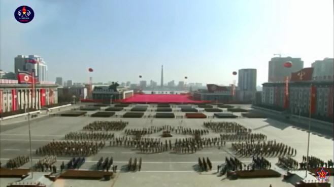북한건군절열병식녹화중계…김정은참석