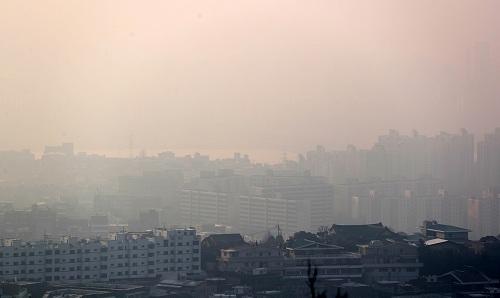 '미세먼지 비상조치' 15일 서울시 대중교통 무료‧차량 2부제