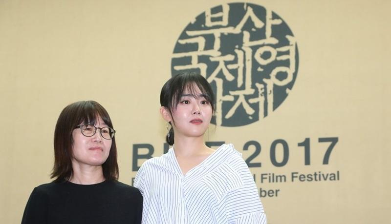 문근영, 급성 구획 증후군 수술 후 첫 공식석상 ¨`유리정원` 부산국제영화제 개막작으로 선정돼 기쁘다¨