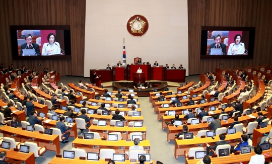 대정부질문 마지막 날…여야, 전·현 정권 의혹 집중 추궁