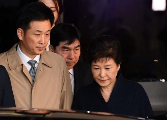 박근혜 전 대통령, `국정원 특활비 뇌물`에 유영하 변호사 선임