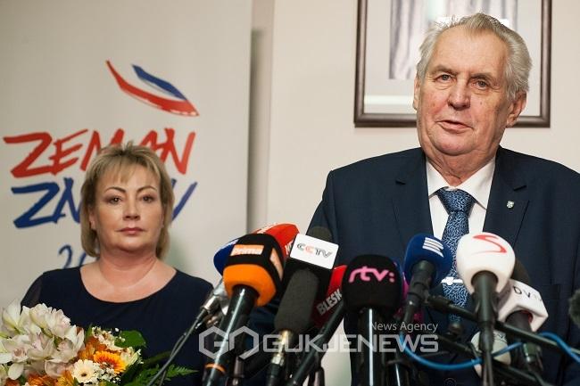 체코 제만 대통령, 과반 확보 실패···26일 결선 투표