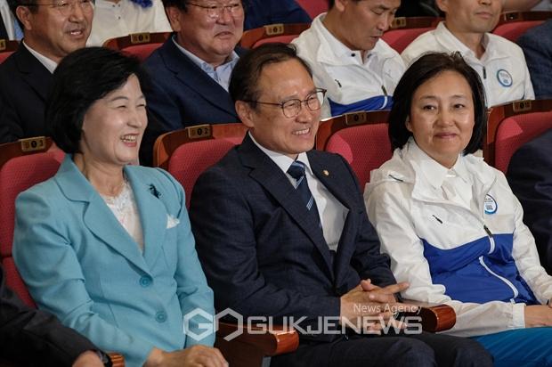 더불어민주당,중앙+지방정부 권력 재편 예고