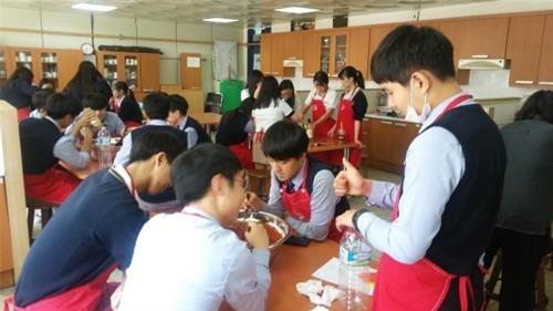 강남 일반고의 힘, 강남서초 고교 영재학급 프로그램