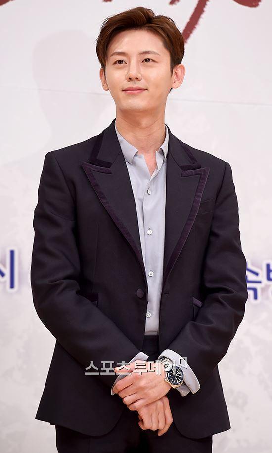 이지훈, KBS 새 드라마 '당신의 하우스헬퍼' 주연 발탁…하석진·보나와 호흡