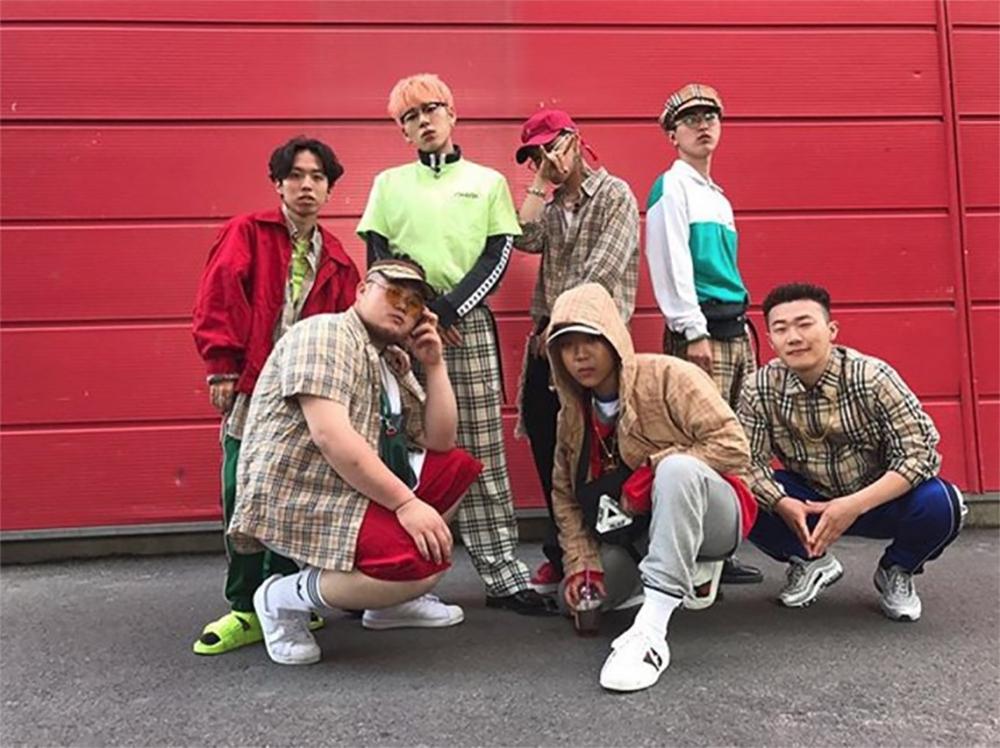 [근황] 킬라그램, 지코-딘 프로듀서팀 멤버들과 인증샷 공개…'해쉬스완부터 영비 양홍원까지'