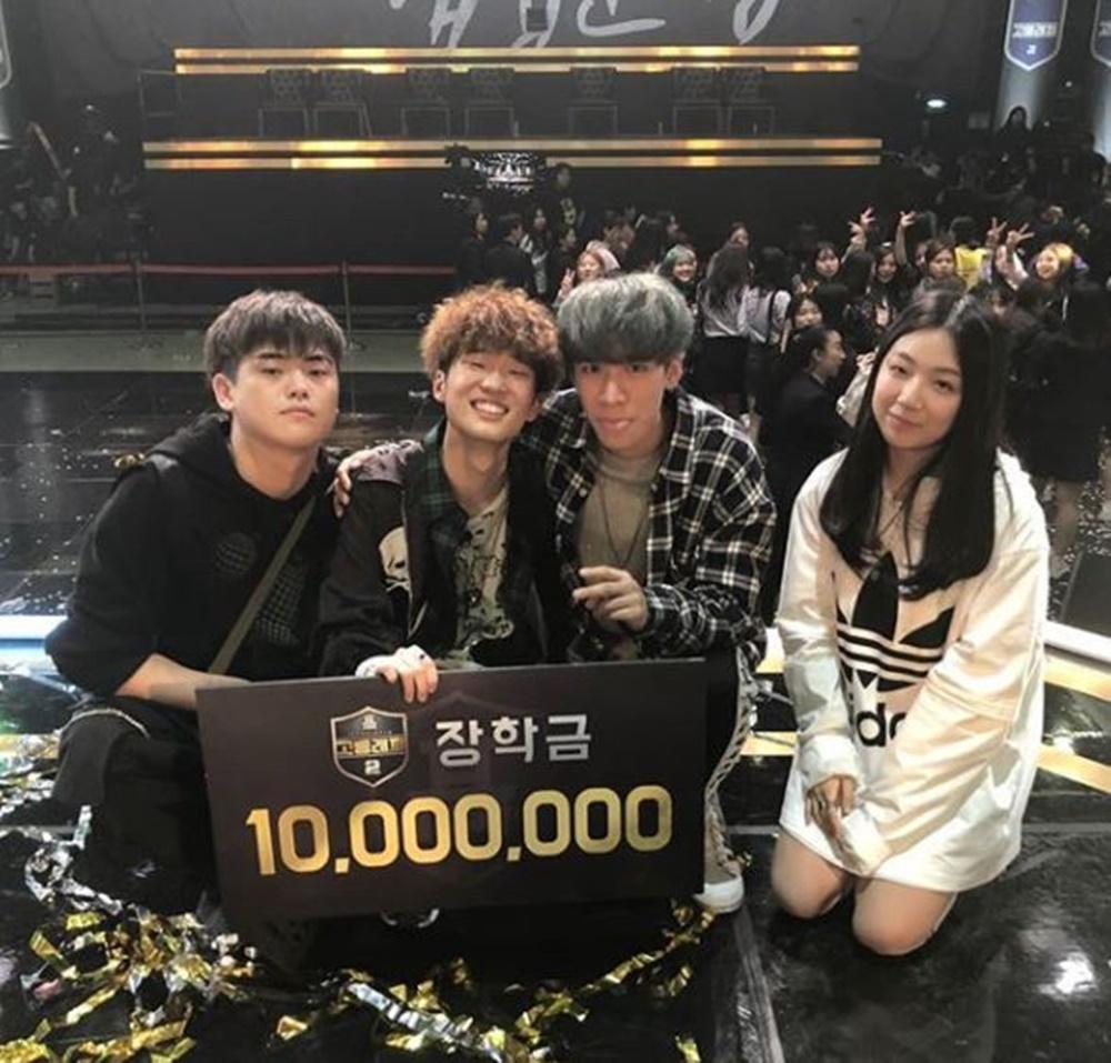 '고등래퍼 시즌2' 우승자 김하온, 이병재·박준호·하선호과 함께 인증샷…'그루비룸 팀'
